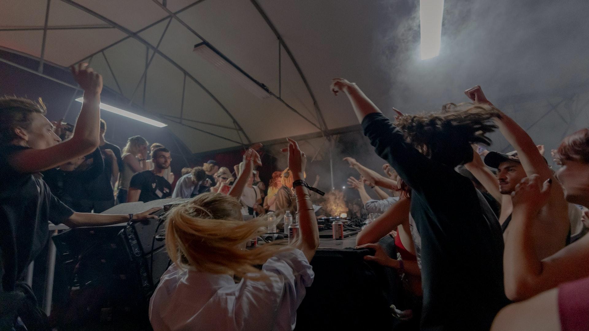 Foto van aan de Unglued stage op de eerste dag van Horst Festival 2021